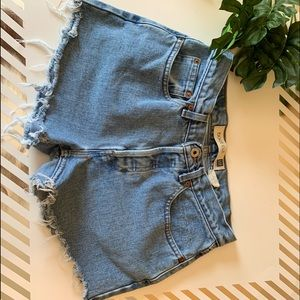 Gap button fly cut off shorts